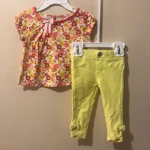 Girls Outfit, 12 month top & 6-12m capris READ ALL